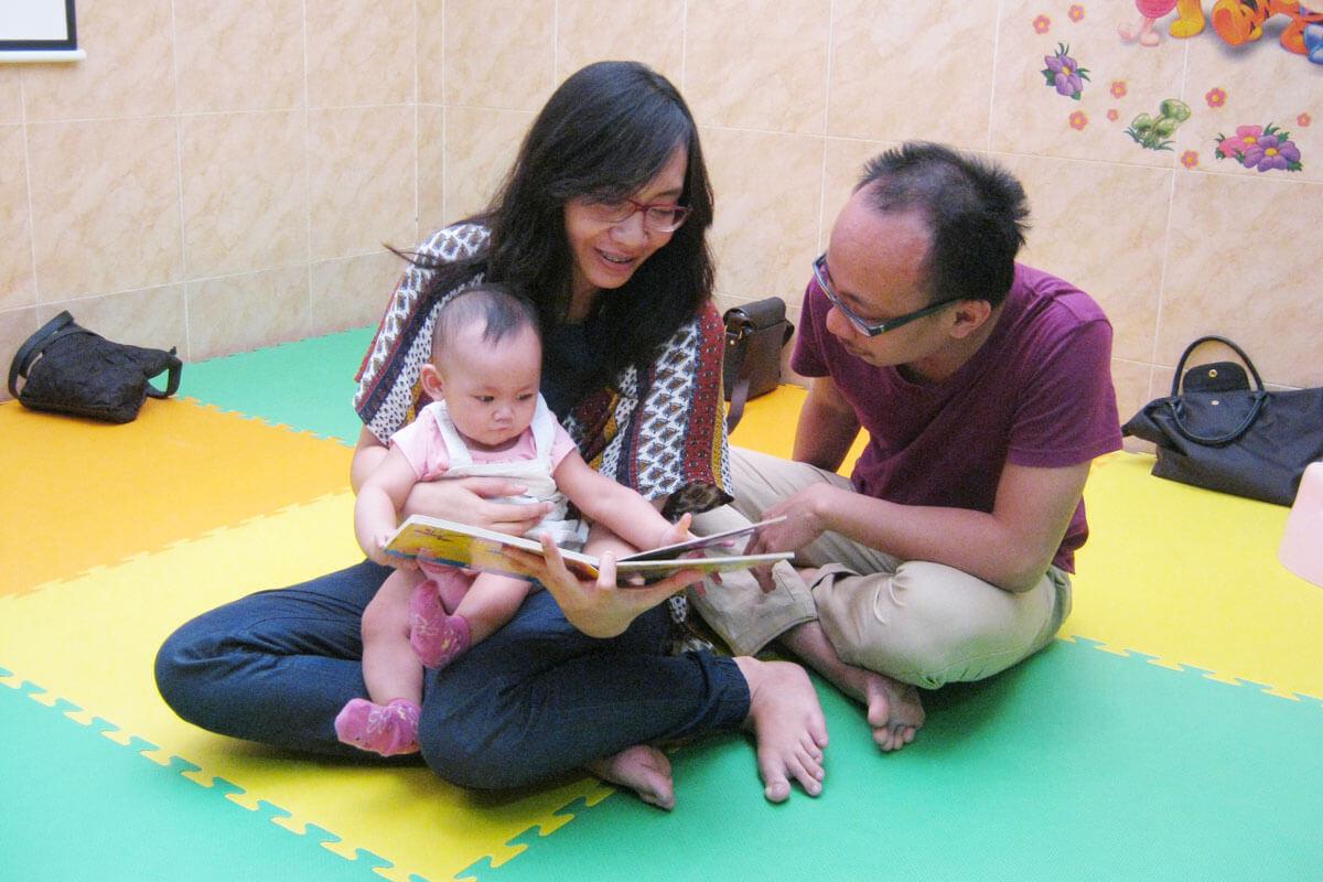 hubungan bayi dan orang tua di kelas jonim musik