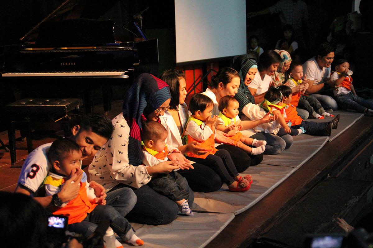 konser musik bayi dan orang tua jonim musik